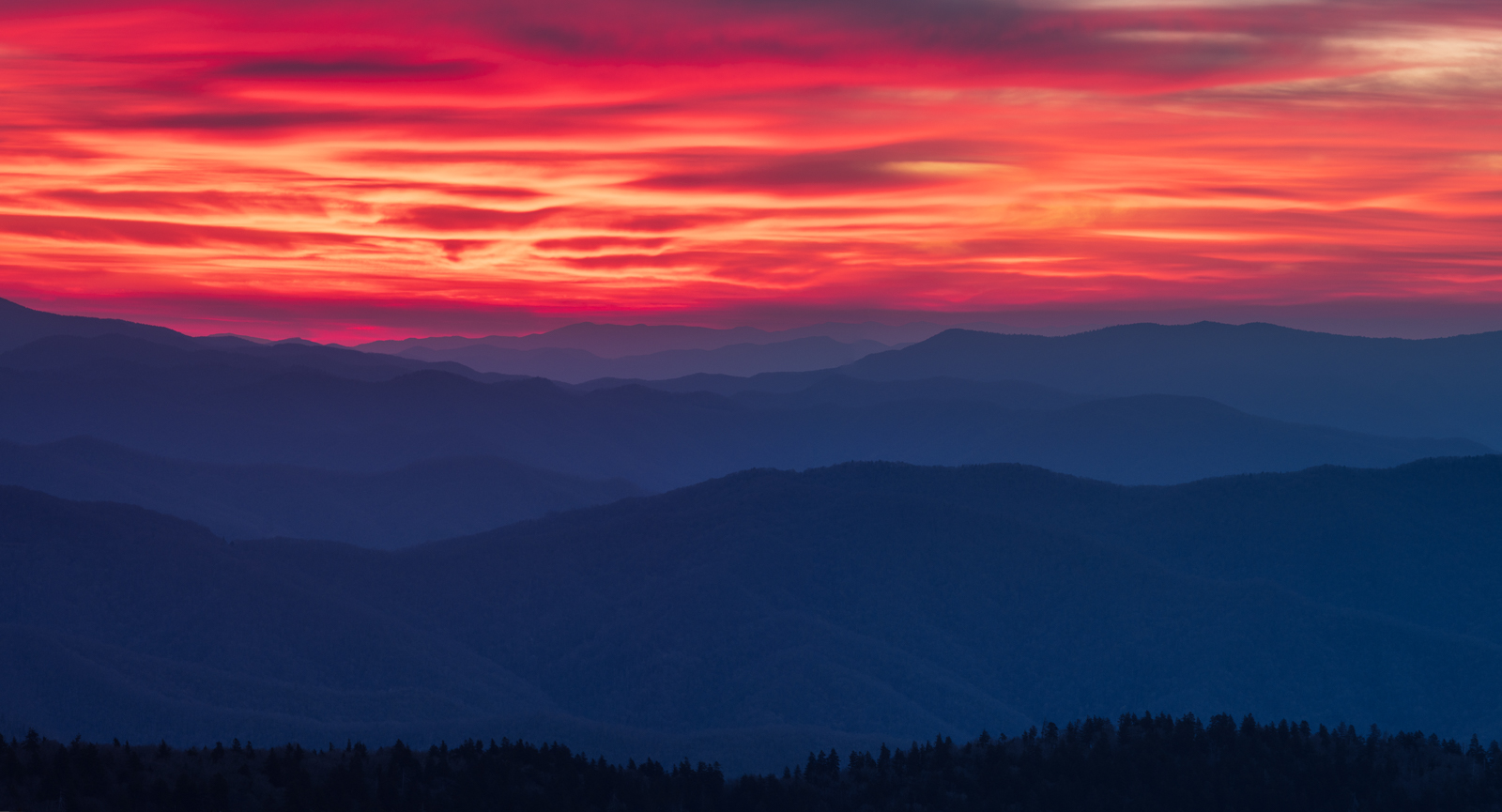 Sunrise over the Appalachian Moiuntains as seen from Clingmans Dome.