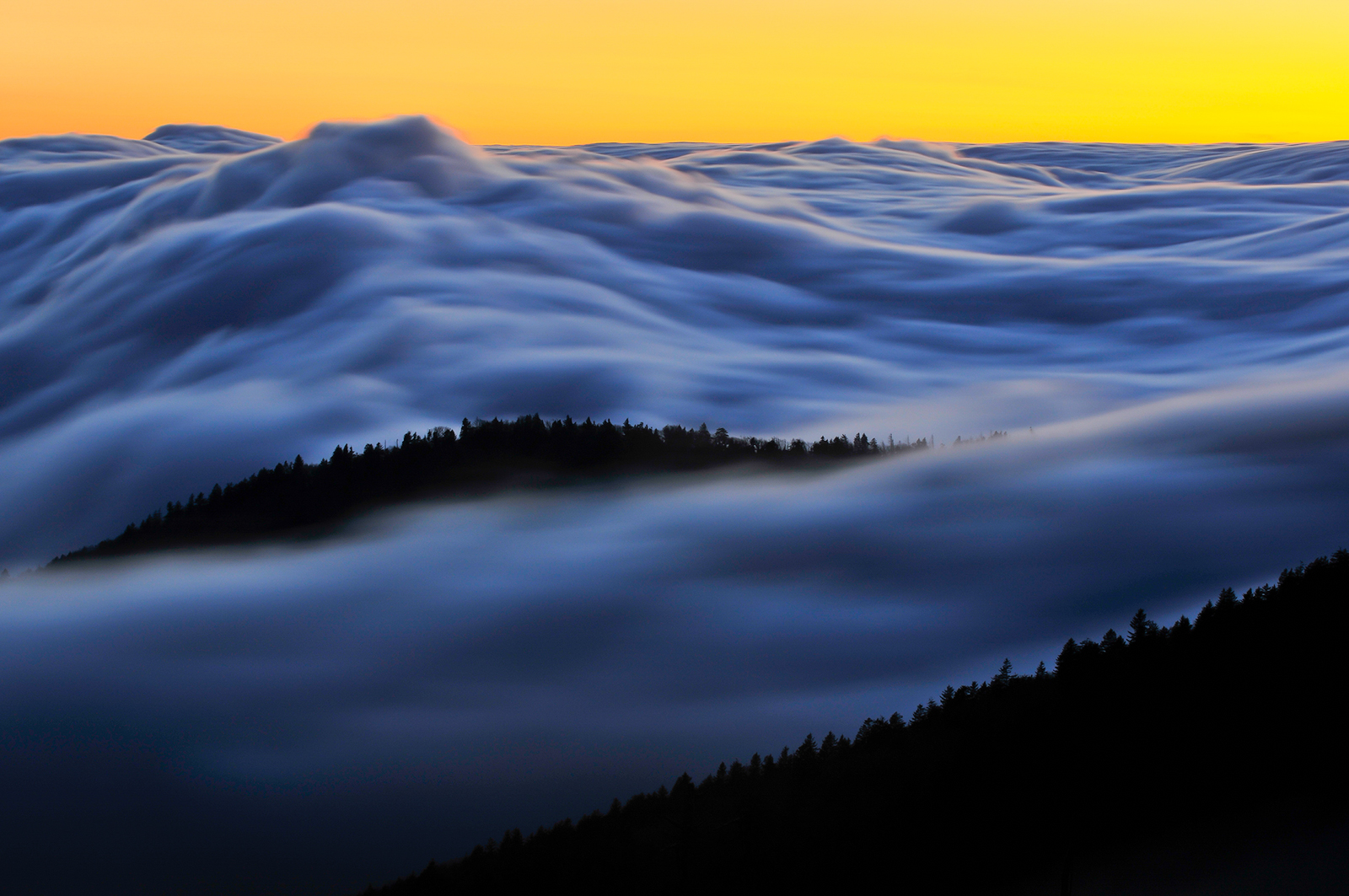 Ridges & Fog above the clouds at sunset from Clingmans Dome