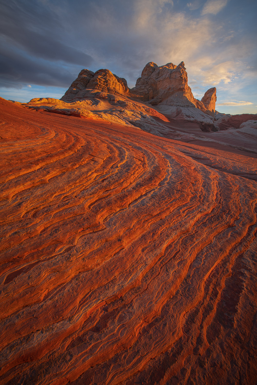 A beautiful summer sunset over the alien sandstone world of White Pocket, Arizona.
