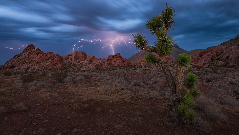Lightning strikes from Whitney Pocketts, Nevada.